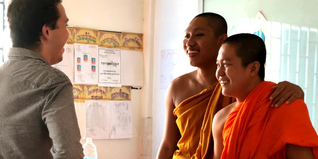 Teach English to novice Buddhist monks