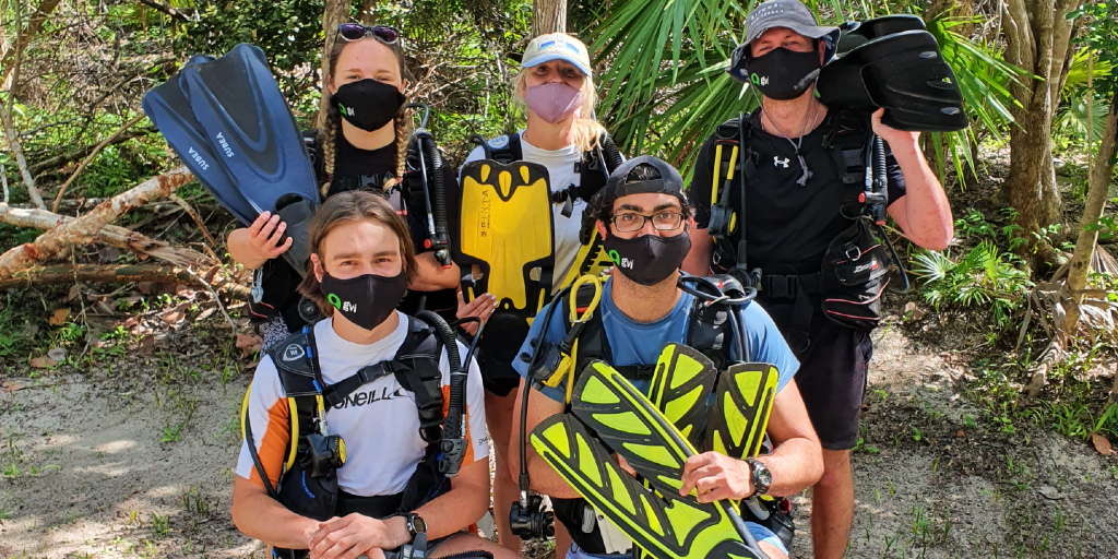 GVI participants are geared up and ready for their dive.